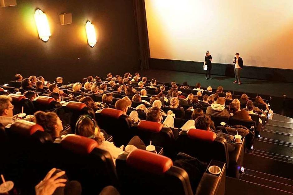 Bei fudders Clubcafé stellten Gründer aus Freiburg ihre Ideen im Cinemaxx vor. (Foto: Linn-Marie Hahn)