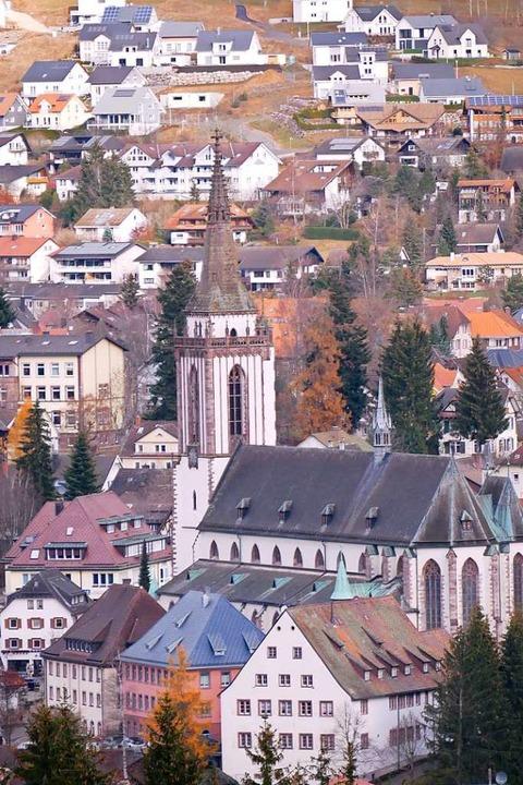 Von der Sprungschanze aus gesehen: Münster  St. Jakobus  | Foto: Eva Korinth