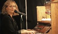 Am Klavier vergeigt sie gar nichts