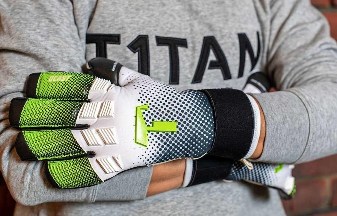 Dürfen diese Handschuhe so heißen?  | Foto: dpa