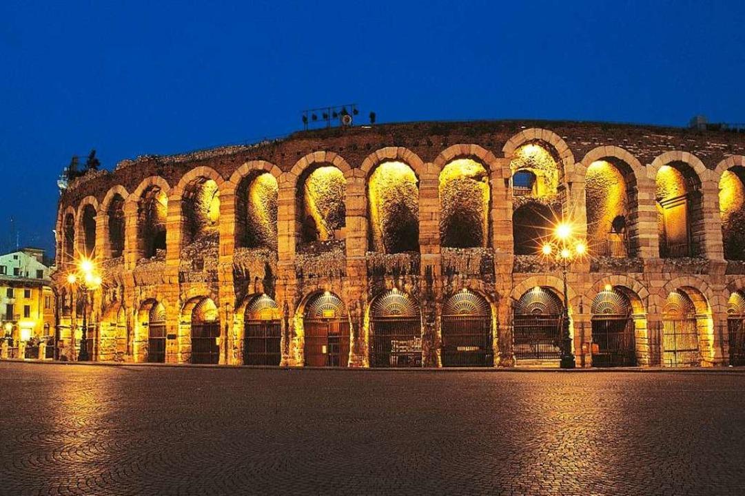 Berühmt für ihre hervorragende Akustik: die Arena di Verona    Foto: DERTOUR