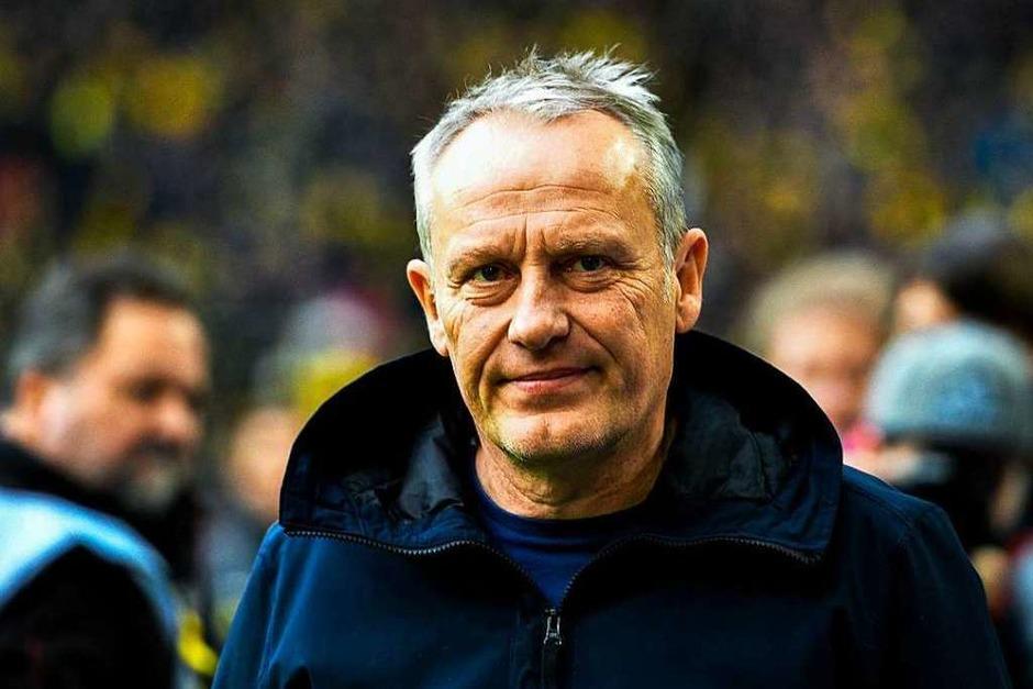 SC-Trainer Christian Streich vor dem Anpfiff in Dortmund. Der Sportclub hat seit 18 Jahren nicht mehr beim BVB gewinnen können. (Foto: AFP)