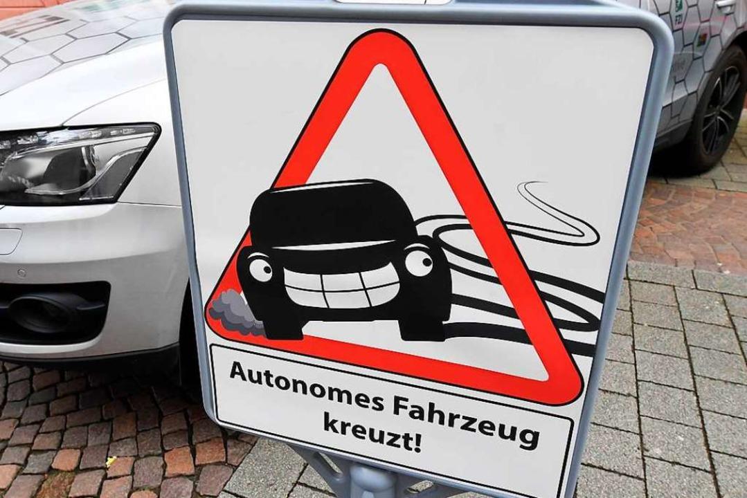 Autos, die das Fahren komplett überneh...arbeiten daran, dass sich das ändert.   | Foto:  dpa