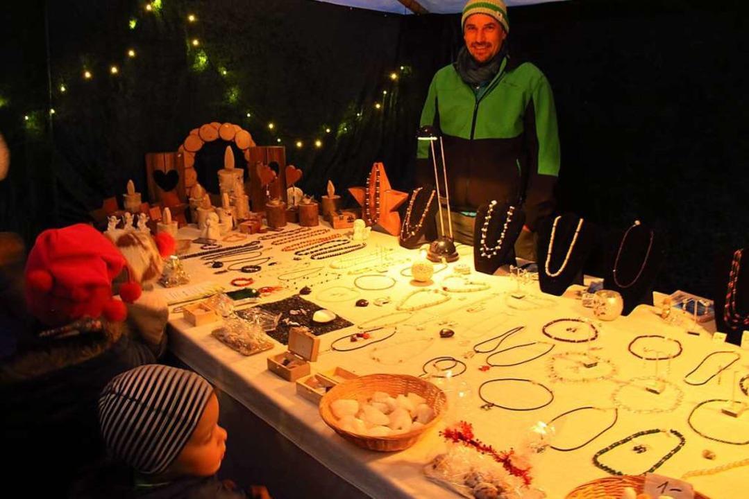 Kekse und Kuchen zogen die Kinder an.  | Foto: Jutta Schütz