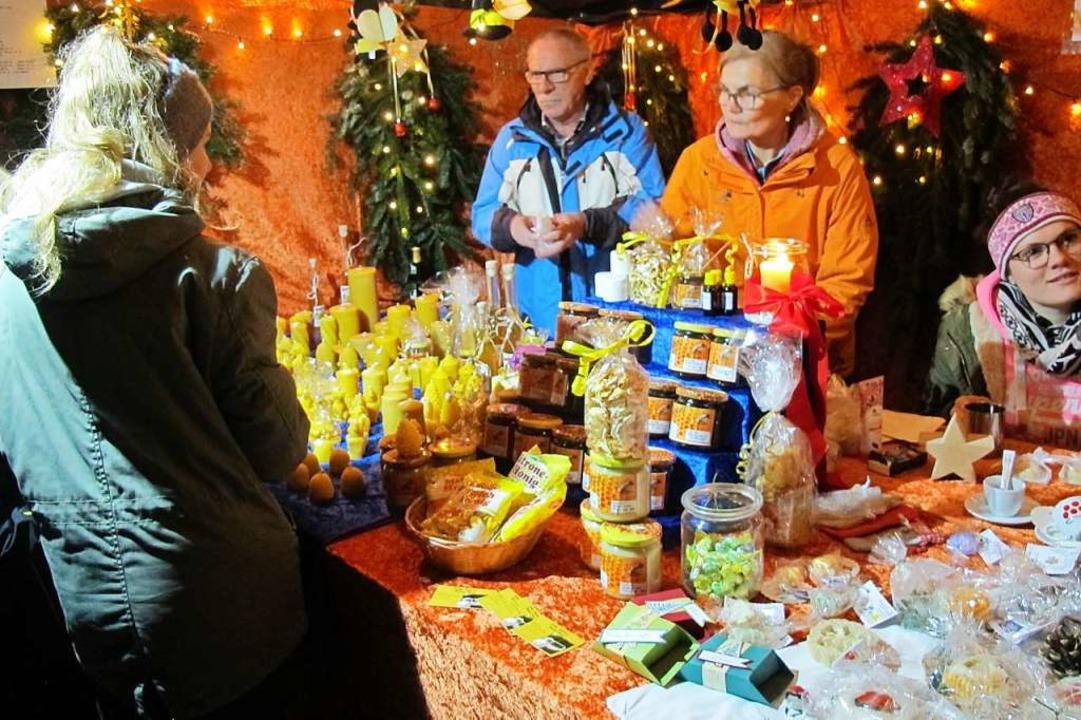Weihnachtsmarkt in Efringen-Kirchen - ...zen, Honig und selbst gemachte Seifen.  | Foto: Jutta Schütz