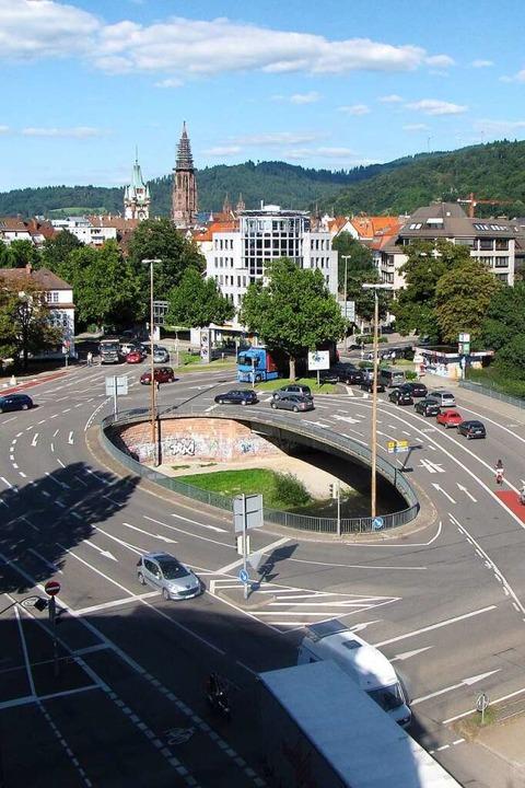 """Bye Bye, """"Elefantenklo"""": So sah die Kronenbrücke vor dem Abriss aus.    Foto: Stadt Freiburg"""