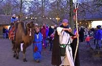 Orientalische Tierkarawane und Weihnachtsbasar