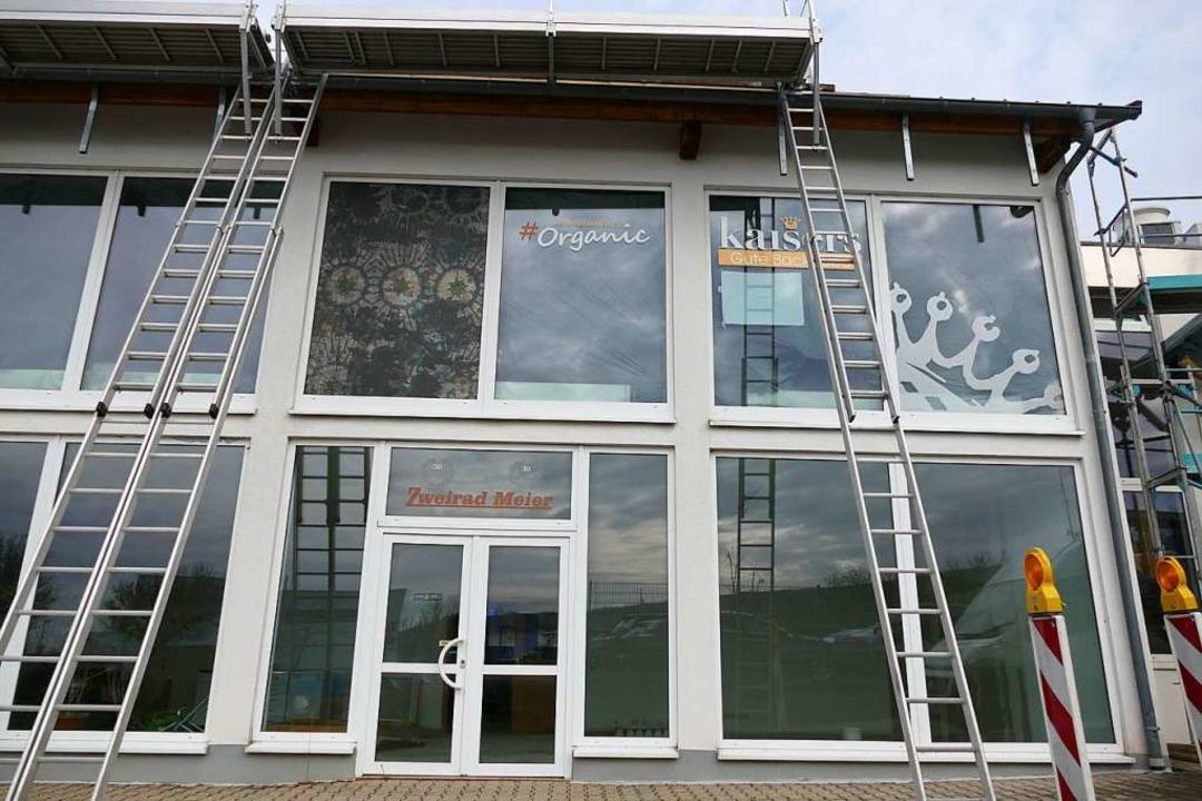 Die neue Kaiser-Filiale zieht in den R...s früheren Zweirad-Händlers Meier ein.  | Foto: Susanne Ehmann