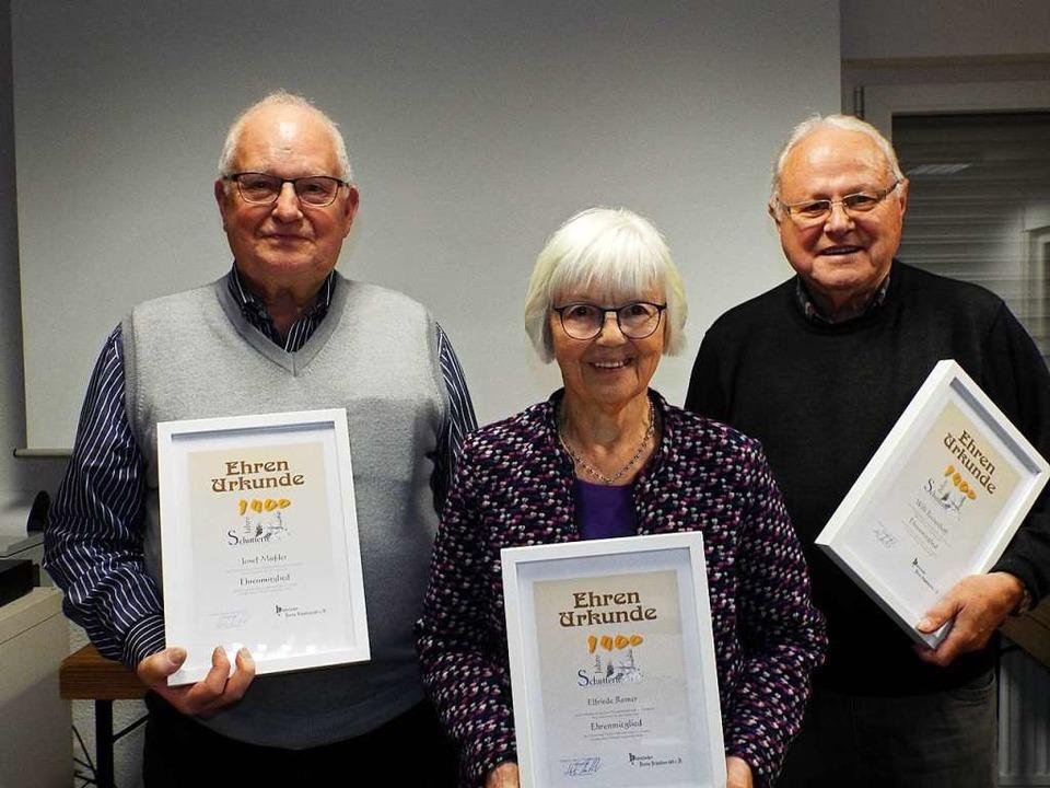 Josef Mussler, Elfriede Remer und Will...s) wurden zu Ehrenmitgliedern ernannt.  | Foto: Astrid Heitzmann