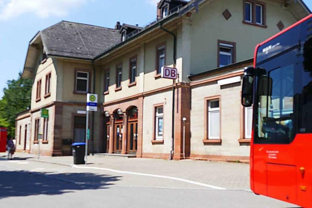 Besitzerwechsel: Der denkmalgeschützte...d erhält auch eine Mobilitätszentrale.  | Foto: Ingrid Böhm-Jacob