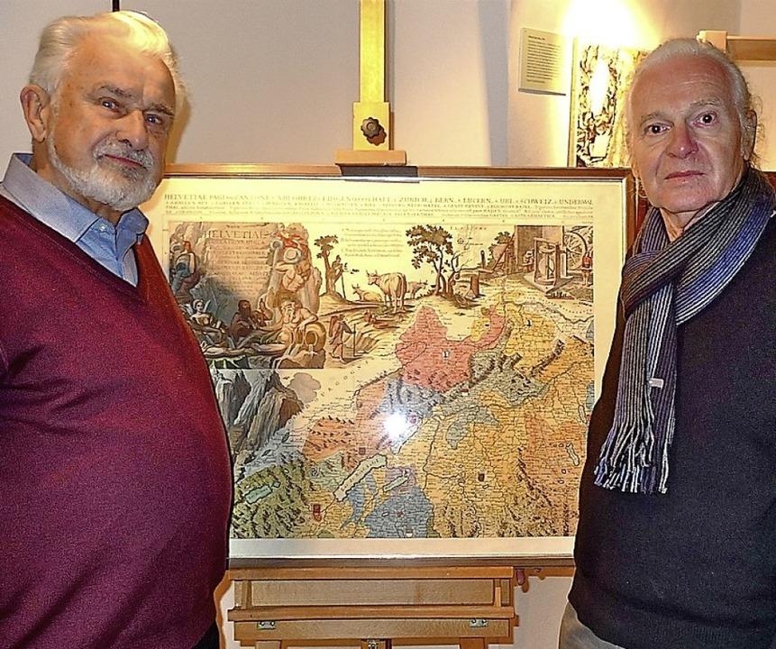 Vor dem nordwestlichen Blatt der Scheu...wendemann (links) und Alois Schmelzer     Foto: Richard Kaiser