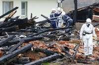 Kriminaltechniker untersuchen abgebrannten Bauernhof in Bonndorf