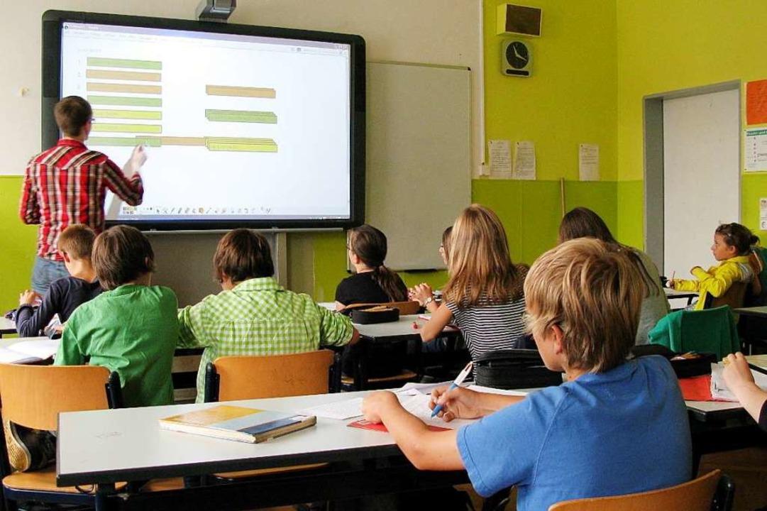 Zusätzliche Lehrer sind geplant.  | Foto: dpa