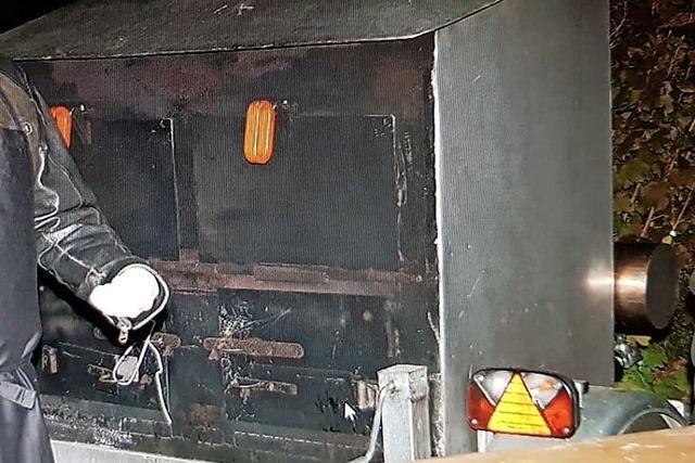 Fahrbarer Ofen für Flammenkuchen gestohlen