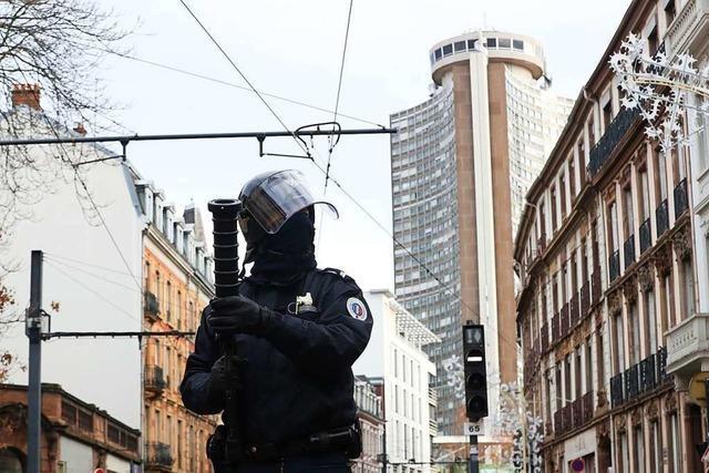 Gelbwesten und Schülerdemos: Die Unruhen in Frankreich weiten sich aus