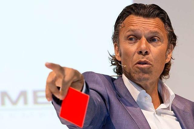 Der Schiedsrichter Urs Meier referiert in Lörrach über Entscheidungen unter Druck