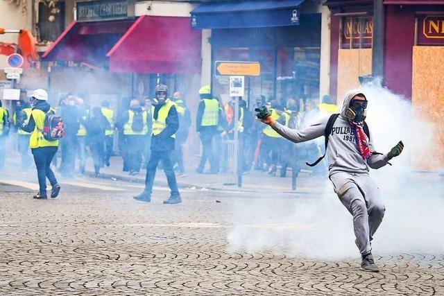 Fast tausend Festnahmen bei gewaltsamen Protesten der