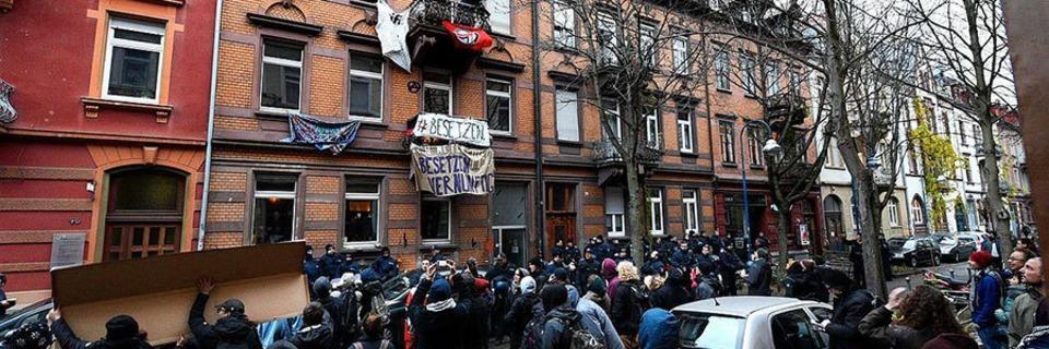 Polizei räumt besetztes Haus in der Guntramstraße