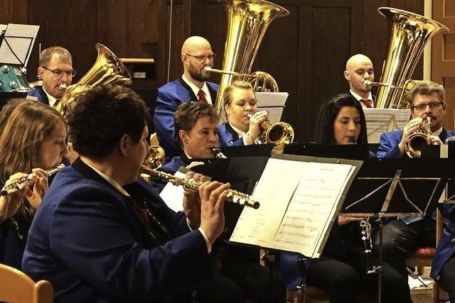 Musiker wecken vorweihnachtliche Stimmung