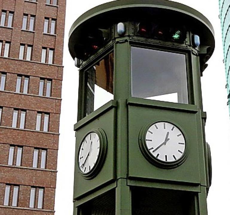Die erste Ampel Deutschlands steht noch heute in Berlin.  | Foto: dpa