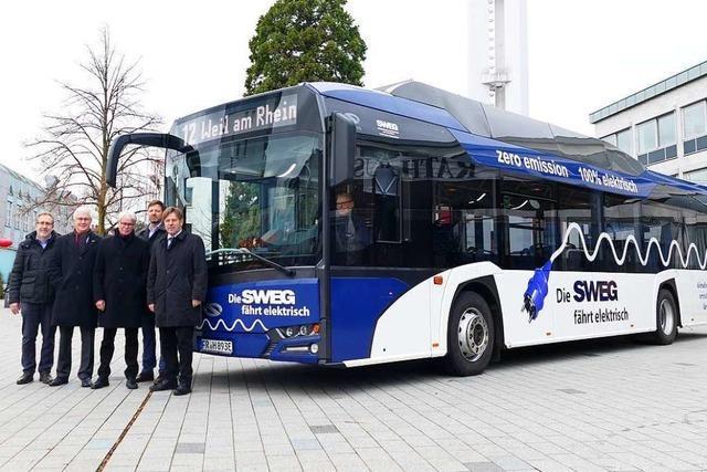 Der Elektrobus der SWEG ist in Weil am Rhein im Probebetrieb