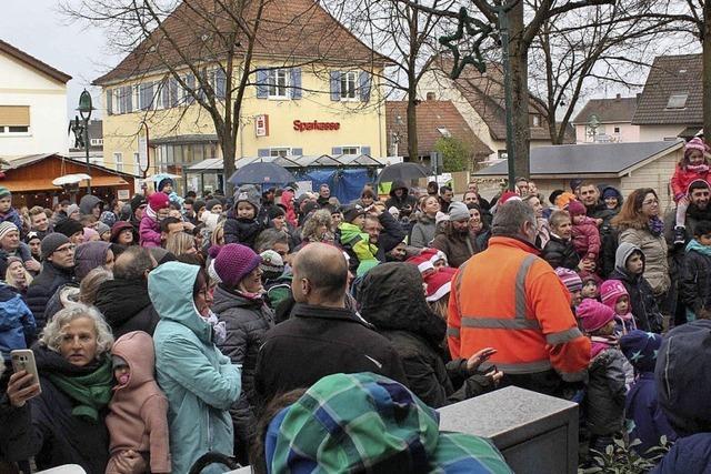 Hartheimer Kinder singen den Nikolaus herbei