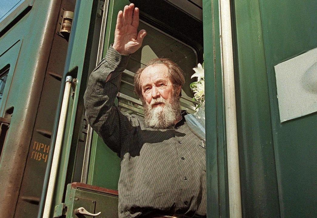 Nach der Rückkehr in die Heimat: Alexander Solschenizyn     Foto: dpa