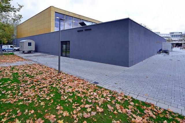 Feuchtigkeit in Wänden und Böden – Stadt Freiburg muss neue Sporthalle sperren