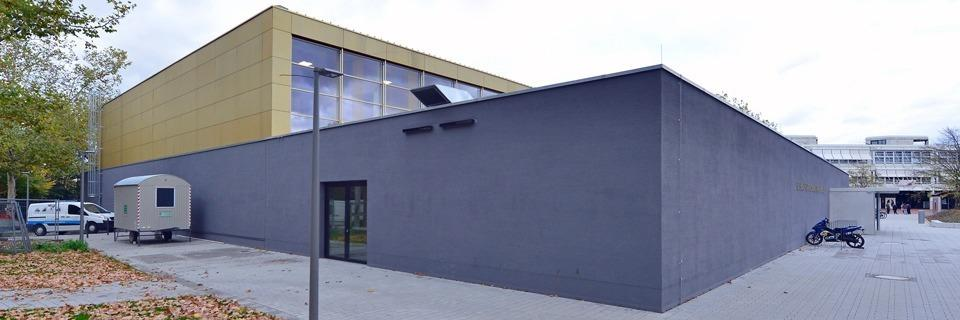 Feuchtigkeit in Wänden und Böden - Stadt Freiburg muss neue Sporthalle sperren
