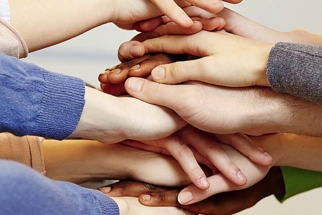 Hand in Hand für mehr Hilfe