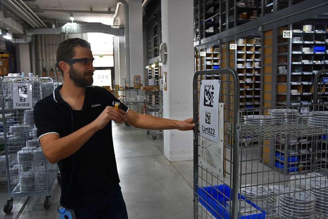 Handwerkszeug im Lager: Datenbrille und Fingerscanner  | Foto: Bernd Kramer