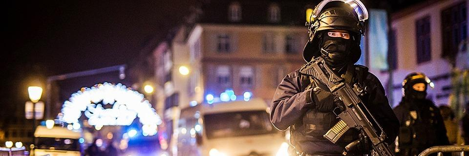 Liveblog: Drei Tote bei Anschlag in Straßburg - Täter weiter auf der Flucht