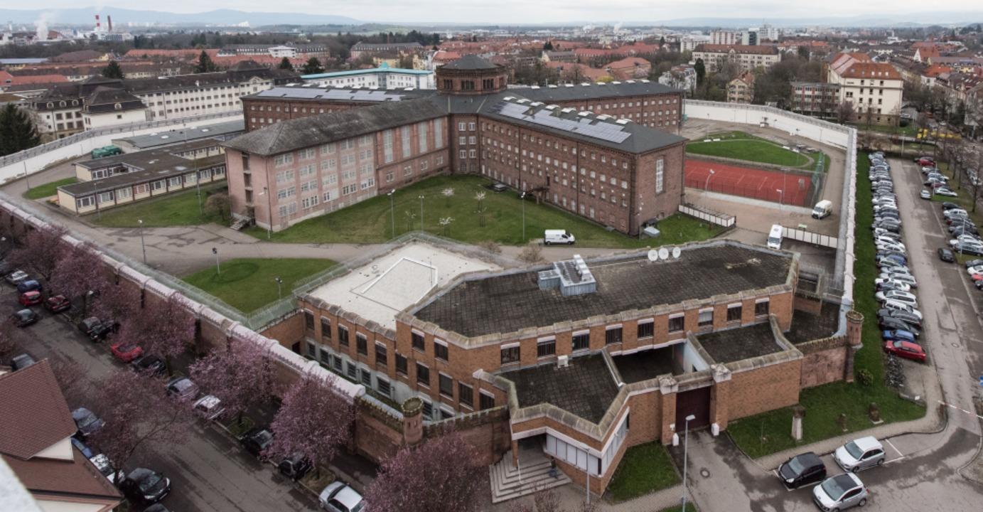 In der Justizvollzugsanstalt Freiburg ...Frankreich untergebracht gewesen sein.  | Foto: Patrick Seeger