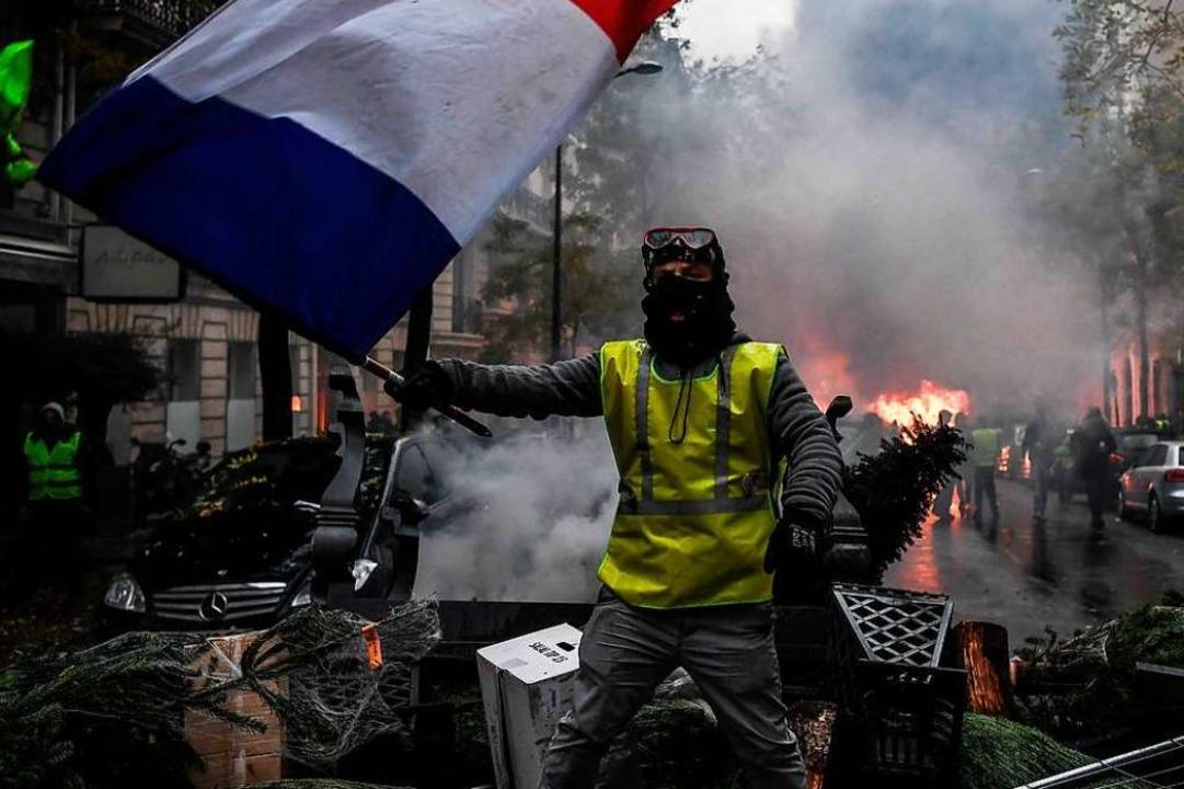 Gewalt und Verschwörungstheorien, auch das sind Gelbwesten.  | Foto: AFP
