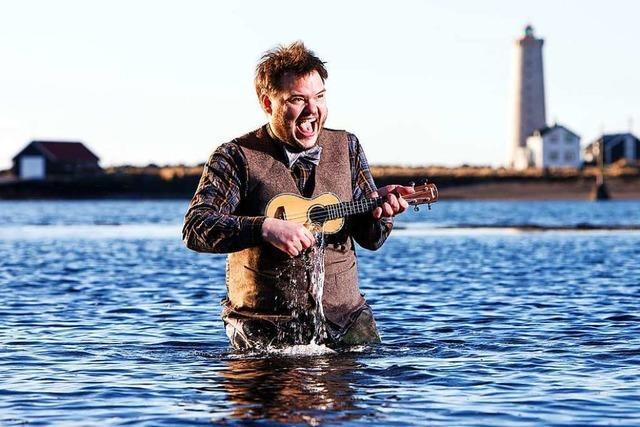 Warum der isländische Sänger Svavar Knútur am liebsten mit dem Zug reist