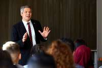 Der Finanzbürgermeister als Motivationstrainer für Neuntklässler