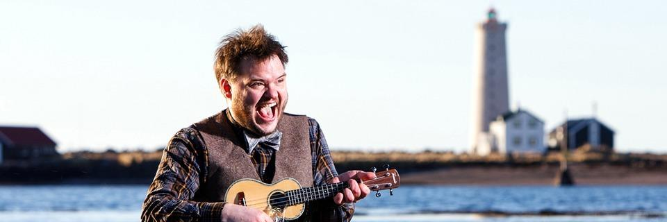 Der isländische Sänger Svavar Knútur tritt in Freiburg auf