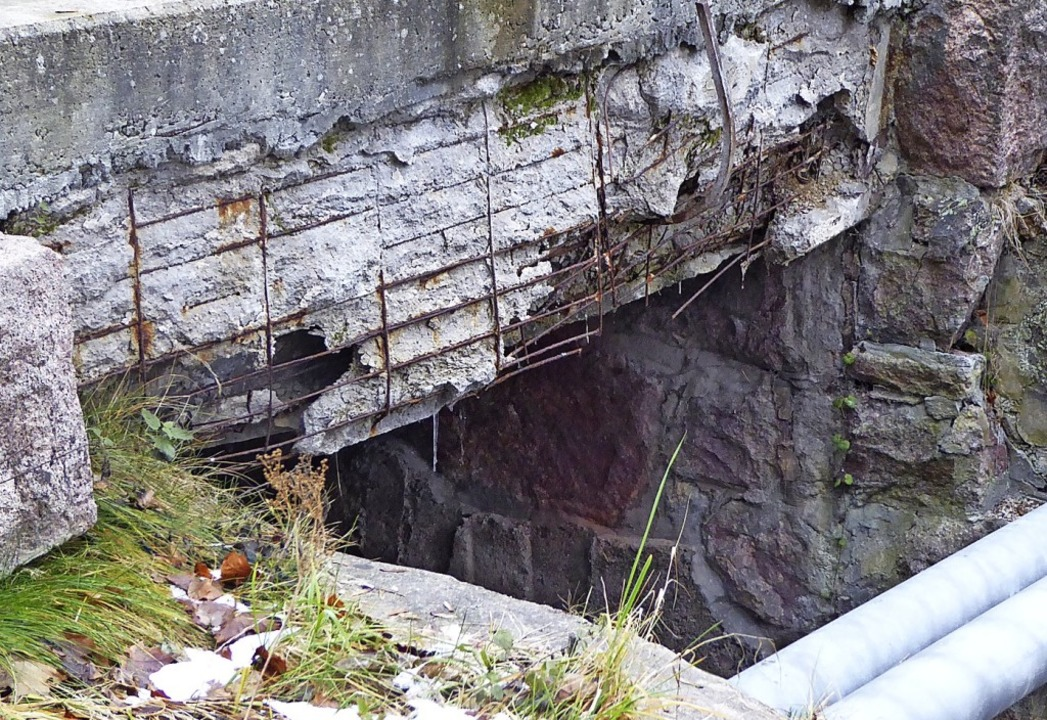Auch als Laien erkennt man den Verfall der Kirchwegbrücke.    Foto: Peter Stellmach
