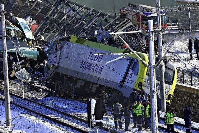 Neun Tote bei Zugunglück
