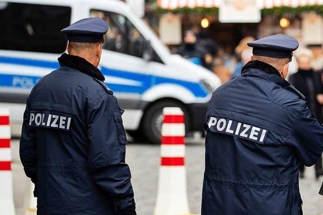 Drei Frauen niedergestochen - Täter auf der Flucht