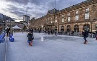 Eislaufen mitten in der City ist sehr populär