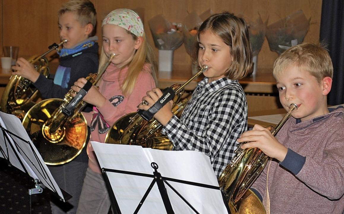 Ein Nachwuchs-Hornquartett des Musikve...zeigte den Gästen, was es schon kann.     Foto: Thomas Loisl Mink
