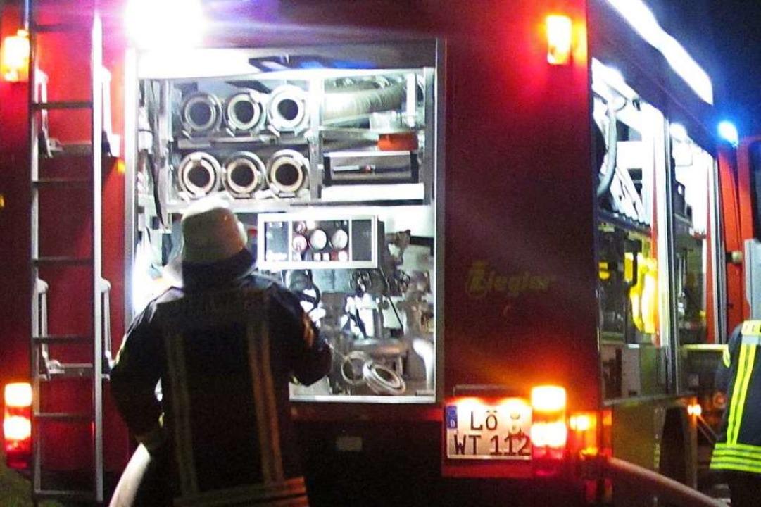 Die Wittlinger Feuerwehr (Archivfoto) ...n größeren Einsatz in der Kirchstraße.  | Foto: Jutta Schütz