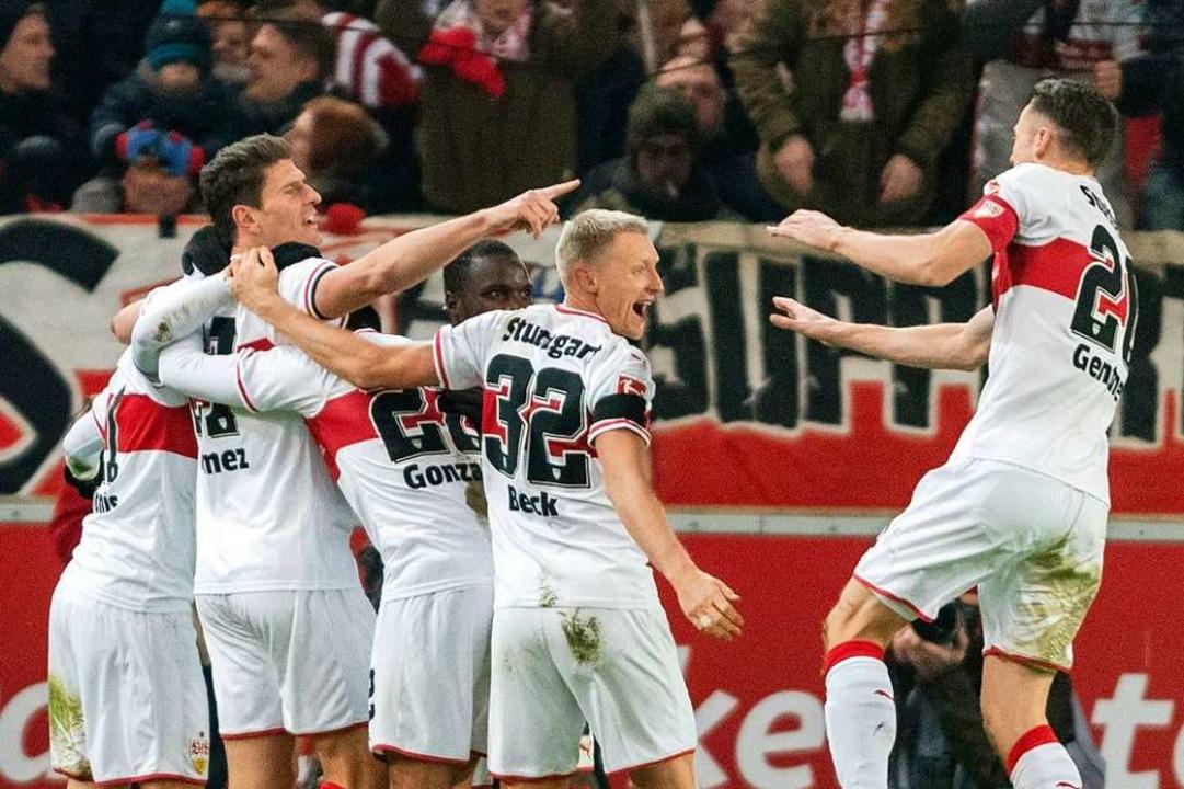 Mit seinen beiden Treffern drehte Gomez das Spiel gegen Hertha BSC.  | Foto: dpa