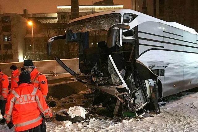 Ein Toter und 44 Verletzte bei Unfall von Flixbus in der Schweiz