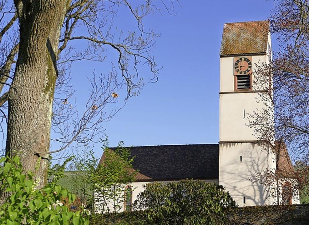 In Efringen-Kirchen geht es an der   Lutherkirche vorbei.     Foto: Langelott