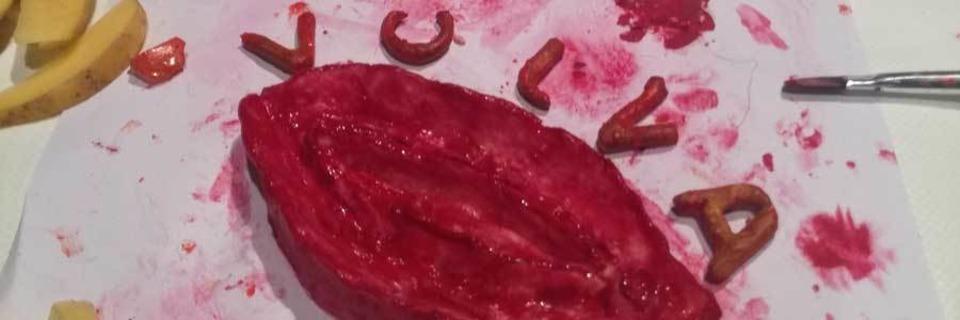 Wie es ist, eine Vulva aus Salzteig zu basteln