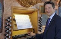 Christoph Bogon gestaltet die Weihnachtsmusik in den Gottesdiensten der evangelischen Kirche in Schopfheim.