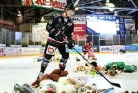 Fotos: Teddy-Bear-Toss 2018 beim EHC Freiburg