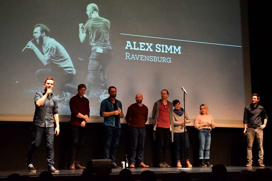 Auf der Bühne: Nik Salsflausen (von li...in Sukut, Simeon Buss und  Meike Harms  | Foto: Sandra Raith
